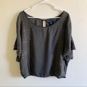 American Eagle gray and brown embroidered top